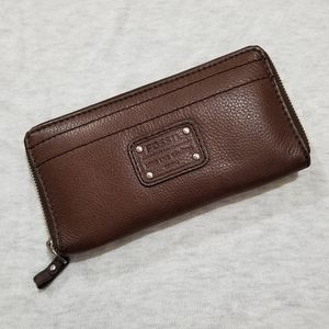 NWT Brown Leather Fossil Wallet